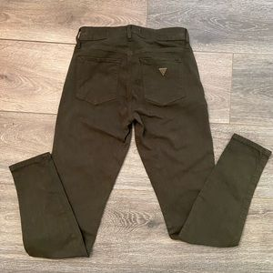✨NWT✨ Guess Stretchy & Sexy Curve Fit Pants